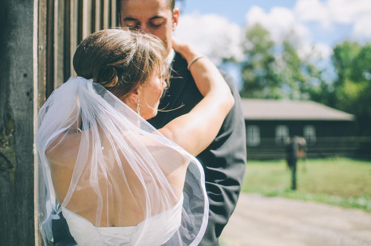 【保存版】結婚式までに何とかしたい!6つの脇のお悩みと対処法!